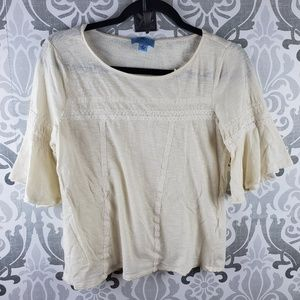 Cece bell sleeved top with crocheted design